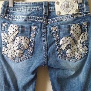 Miss Me Women's jeans size 26 Rhinestone fleur